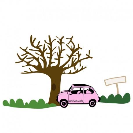 Árbol con coche rosa