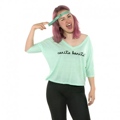 Camiseta boxy manga murciélago verde agua diseño letras carita bonita negras